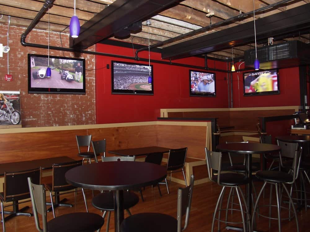 Draft Sports Bar And Grill
