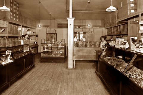The store as it appeared back in 1930