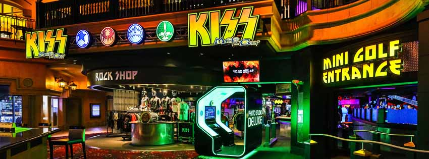 KISS By Monster Mini Golf