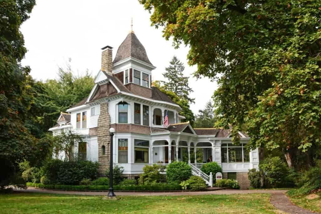 Historic Deepwood Estate