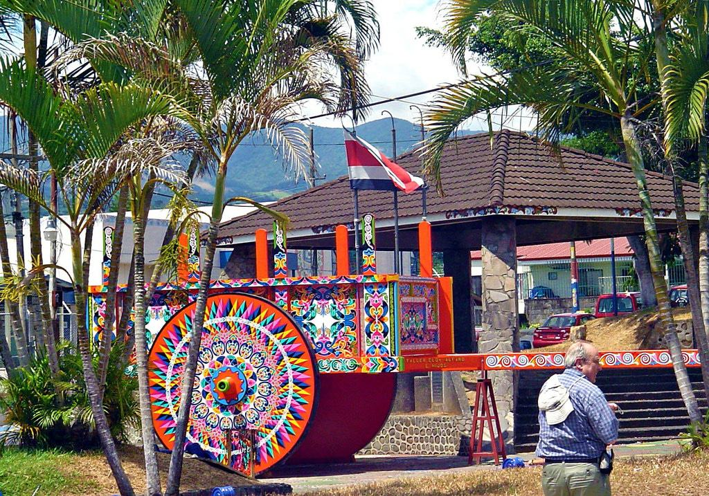 Alajuela - Traditional hand-painted oxen cart