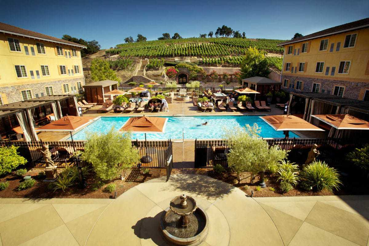 15 best romantic weekend getaways in california the for Luxury spa weekends for couples