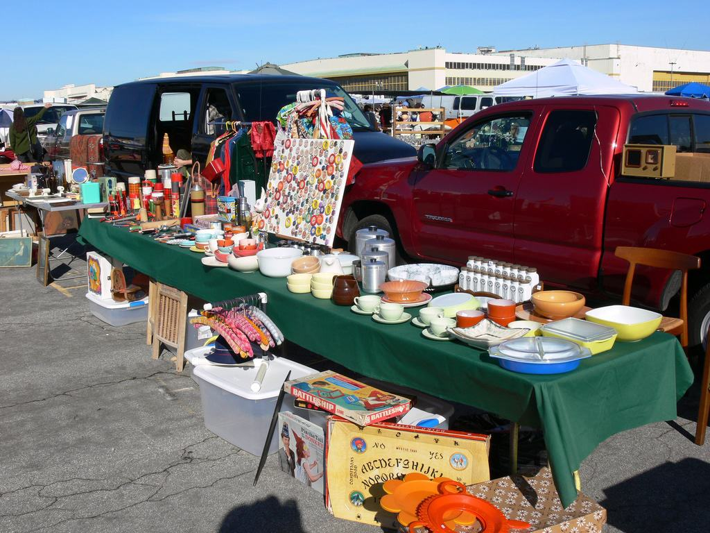 15 Best Flea Markets In California
