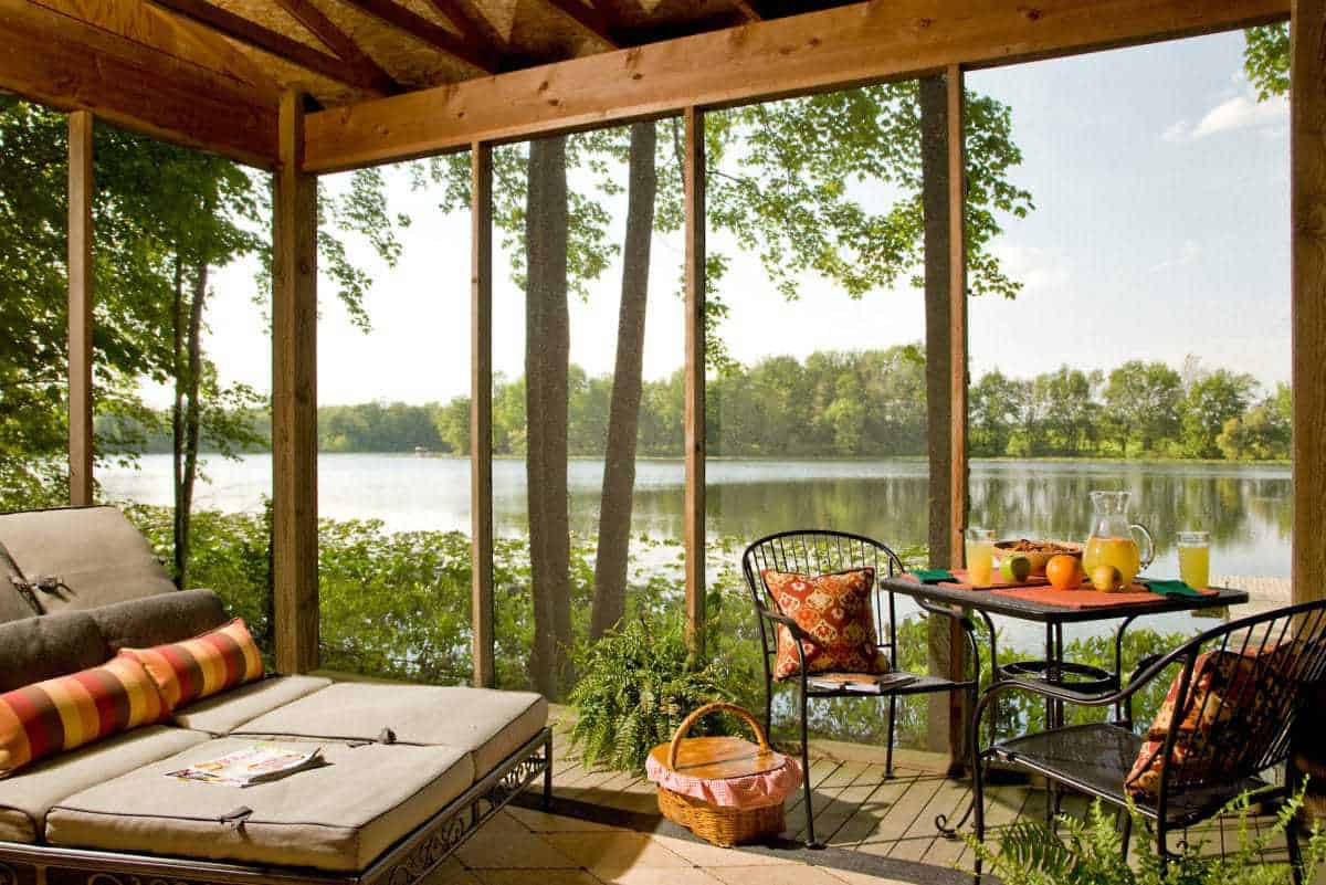 15 Best Romantic Weekend Getaways in Michigan  The