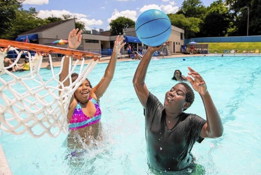 9 best water parks in maryland page 7 of 9 the crazy tourist for Laurel municipal swimming pool
