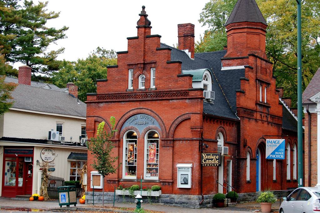 15 Best Small Towns To Visit In Massachusetts
