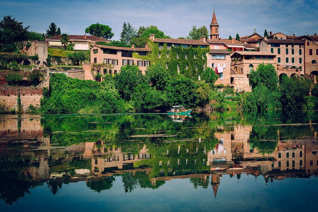 15 best places to visit in the south of france the crazy for Best places to stay in south of france