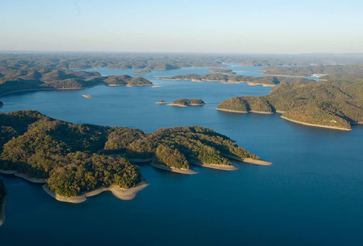 15 Best Lakes in Tennessee - The Crazy Tourist