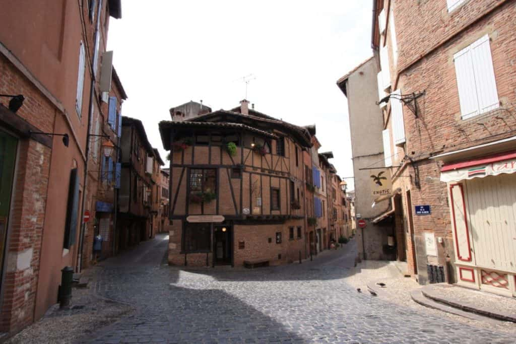 15 best things to do in albi france the crazy tourist. Black Bedroom Furniture Sets. Home Design Ideas