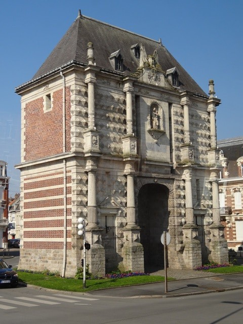15 best things to do in cambrai france the crazy tourist for Porte spanish