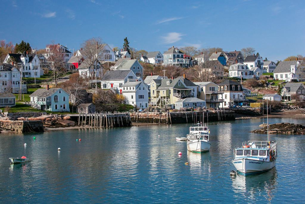 15 best small towns to visit in maine the crazy tourist. Black Bedroom Furniture Sets. Home Design Ideas