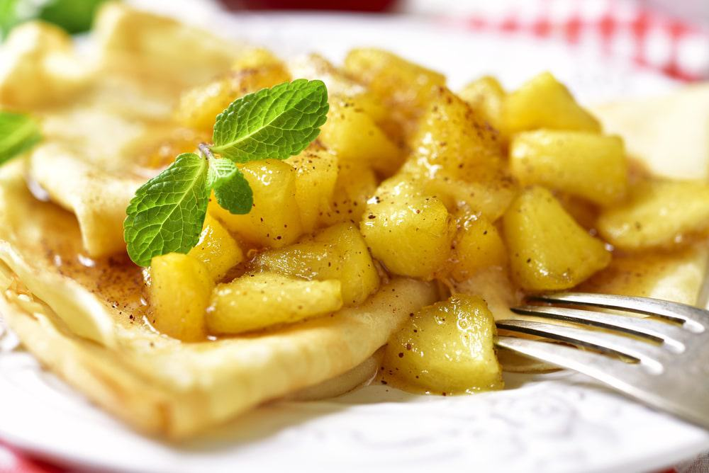 Crêpes With Caramelised Apples