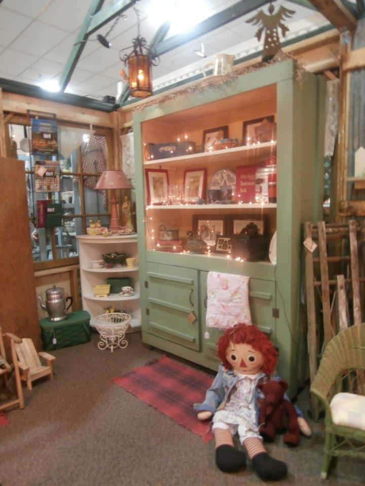 Collette's Vintage And Antique Mall