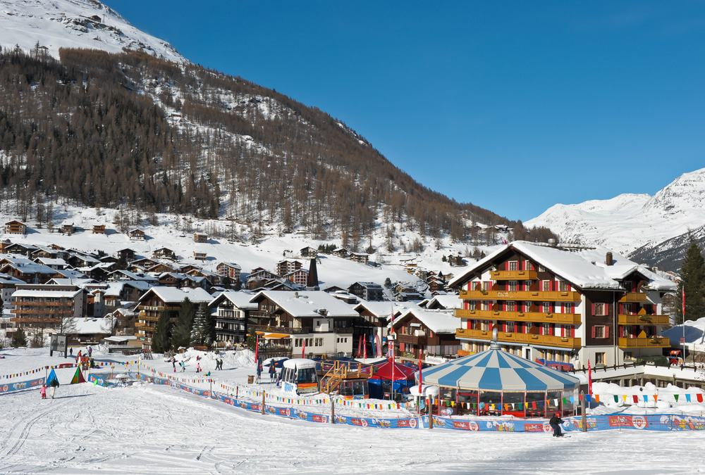 saas fee singles Single-family house buy in saas-fee - easy to find with comparis all offers for sale from various property portals with information about savings potential.