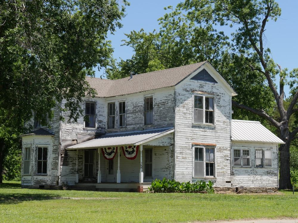 Miraculous 15 Best Places To Live In Oklahoma The Crazy Tourist Home Interior And Landscaping Palasignezvosmurscom