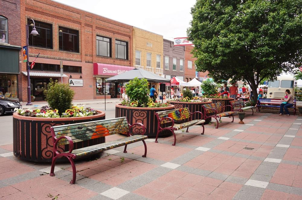 15 best places to live in iowa the crazy tourist