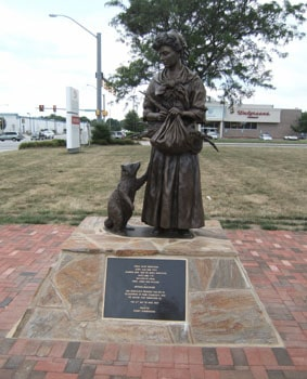The Witch Of Pungo Statue, Virginia Beach