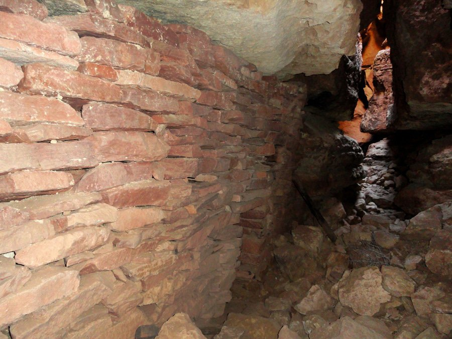 Apache Death Cave, Winslow top amazing hidden gems in arizona Top Amazing Hidden Gems in Arizona ccimage 8633307112 42a23193ab b