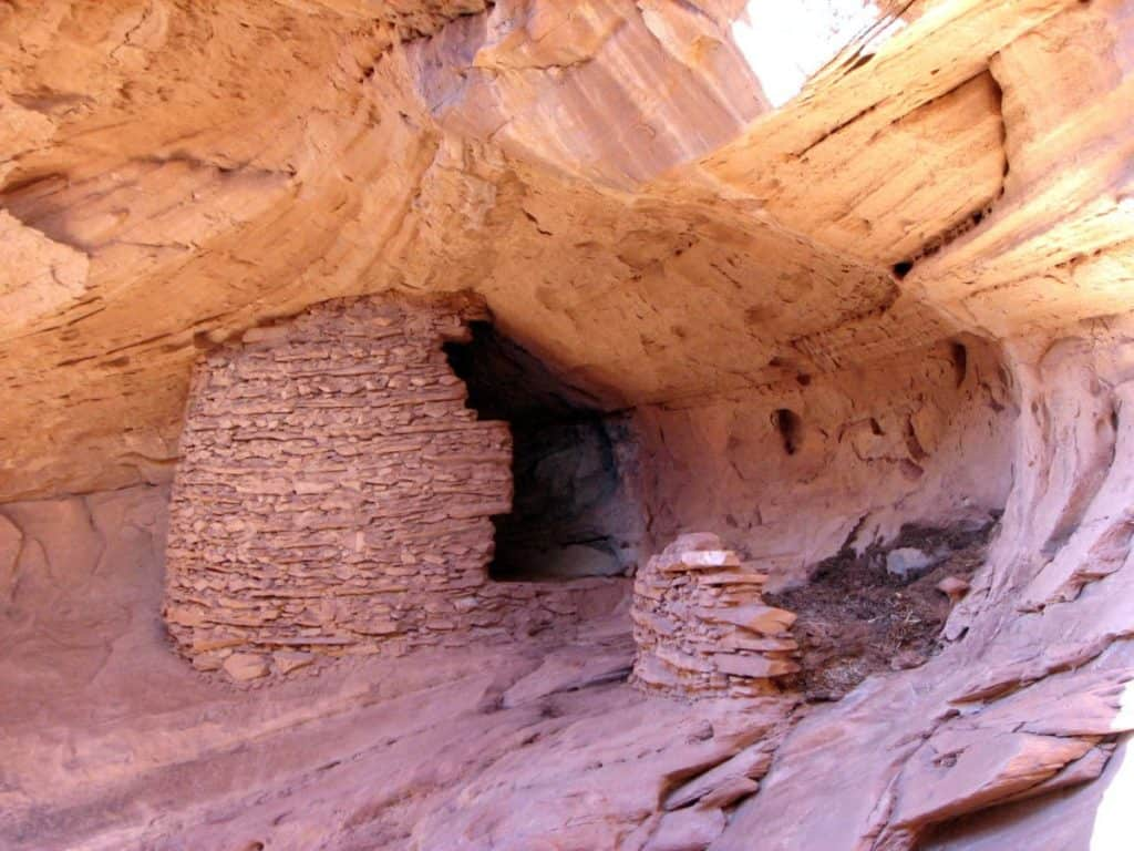 Mystery Valley, Kayenta top amazing hidden gems in arizona Top Amazing Hidden Gems in Arizona ccimage Mystery Valley 05 1024x768