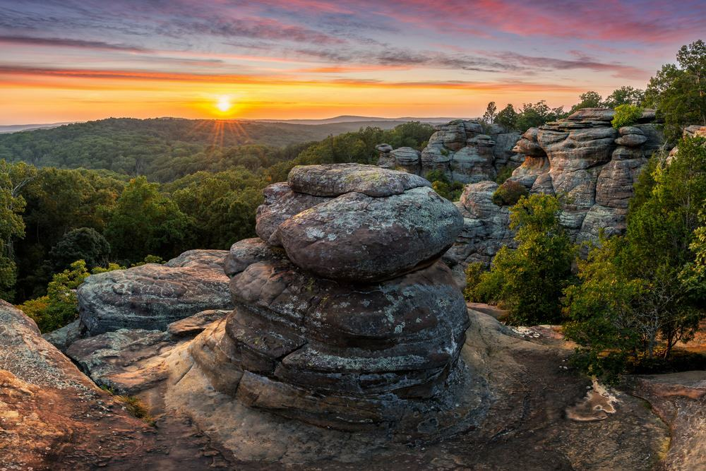 13 most beautiful places to visit in illinois page 10 of - Hotels near garden of the gods illinois ...