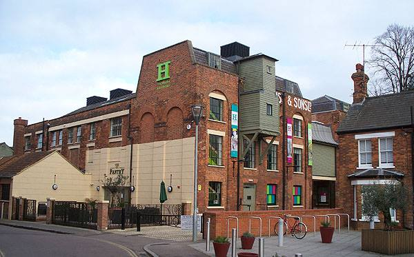 Higgins Art Gallery & Museum