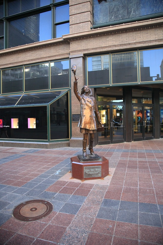 Mary Tyler Moore Statue