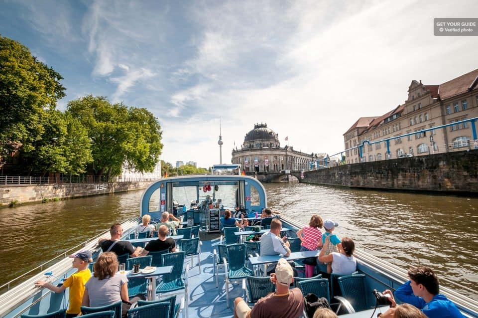 City Tour By Boat