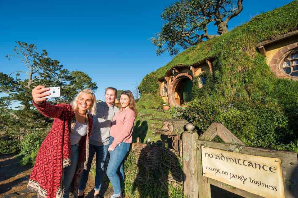 Hobbiton Movie Set Guided Tour and Festive Buffet Lunch