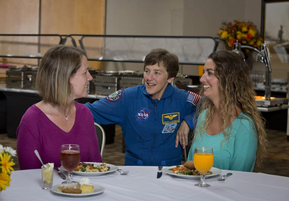 Dine With An Astronaut At Kennedy Space Center Tour