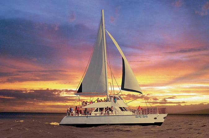 Nā Pali Sightseeing Sunset Dinner Cruise