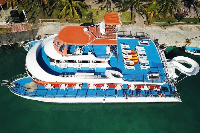 Catamaran Cruise With Snorkeling From Cancún