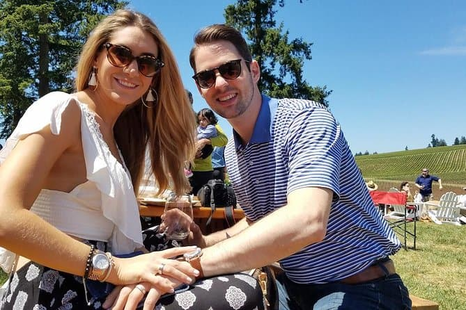 Oregon Wine Tour & Gourmet Picnic