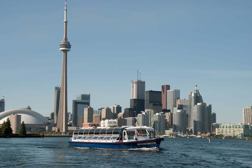 Tour Of The Toronto Harbour And Surrounding Islands