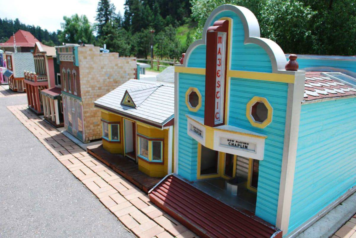 Tiny Town And Railroad, Morrison