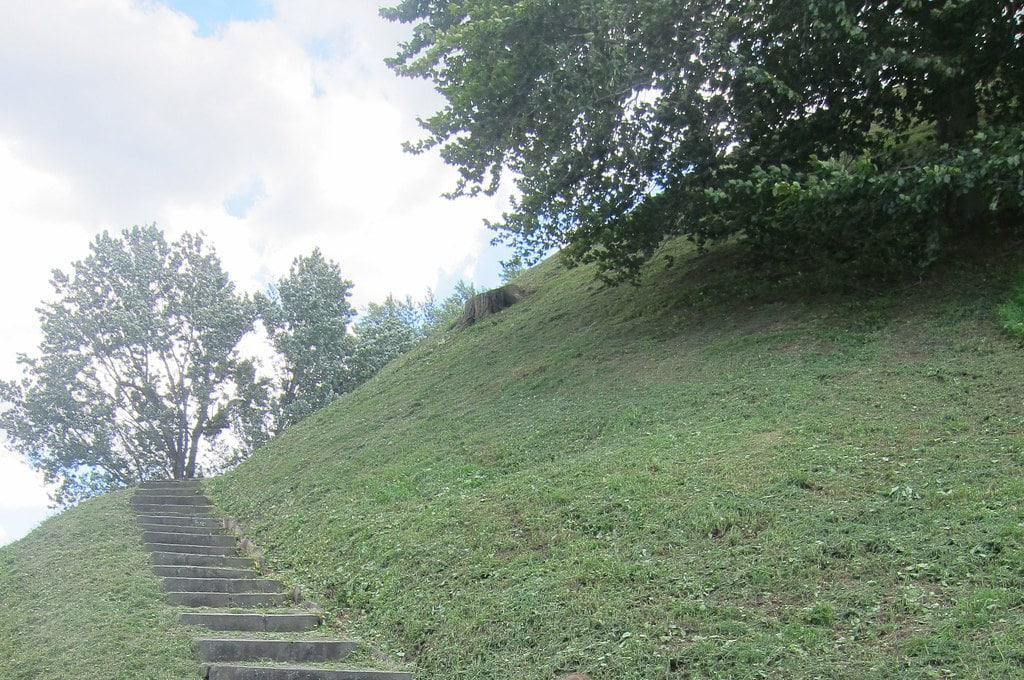 Grave Creek Mound, Moundsville