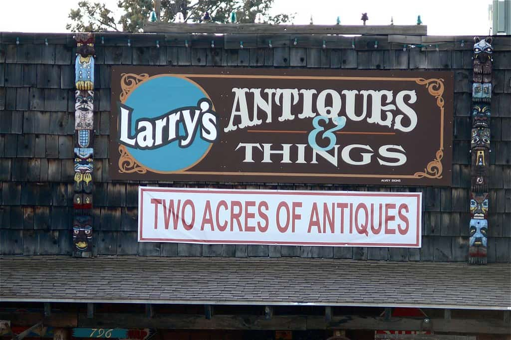 Larry's Antiques and Things