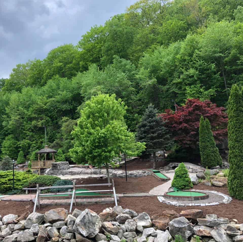 Old Sawmill Grill & Miniature Golf Course