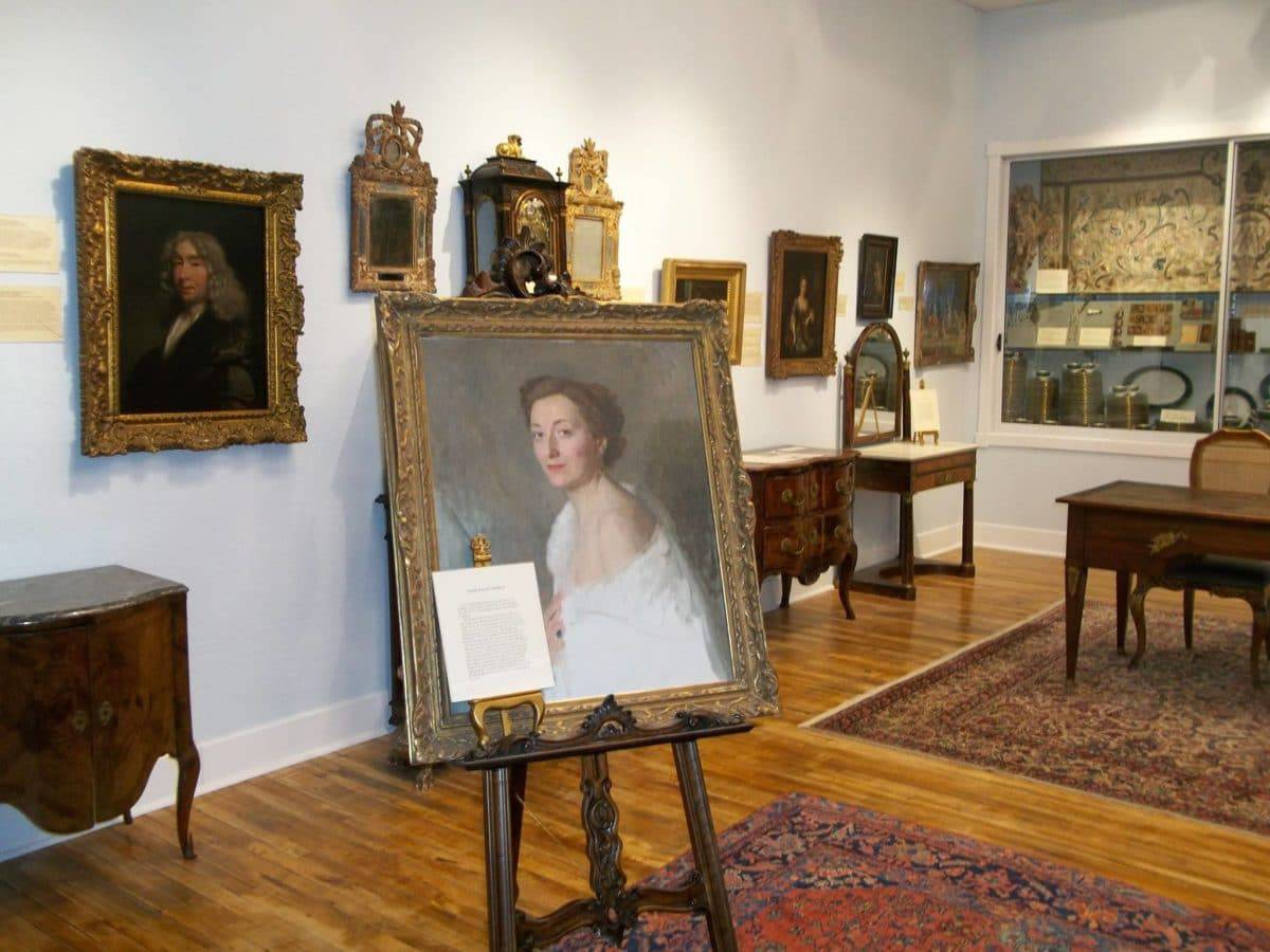 The Renee Cushman Art Collection Museum