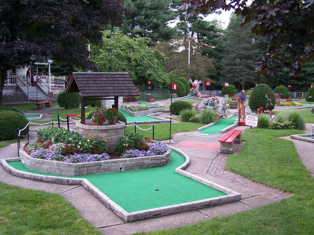 Farmington Miniature Golf & Cream Parlor