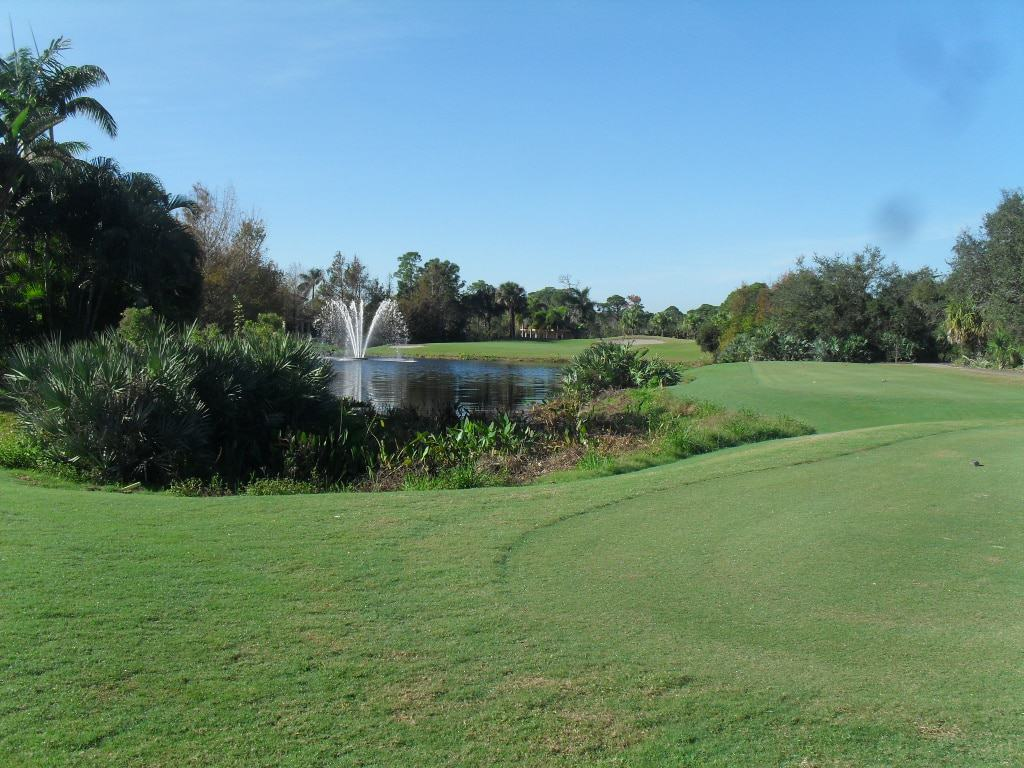 Palm Cove Golf & Yacht Club