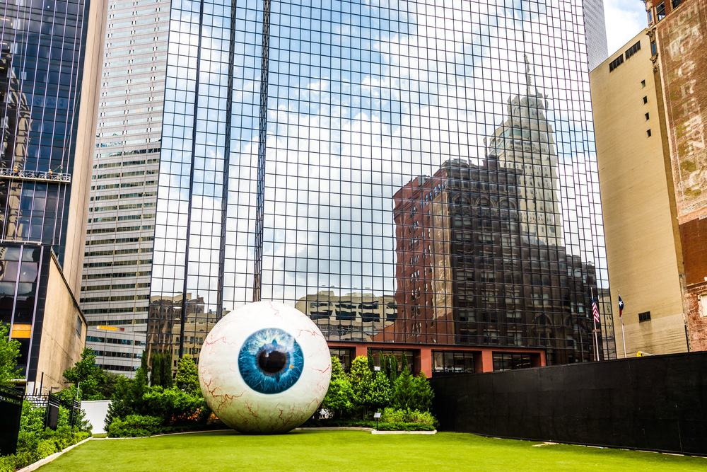 Giant Eyeball, Dallas