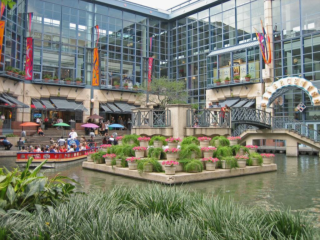 Shops at Rivercenter, San Antonio