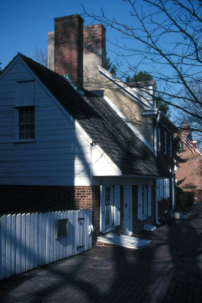 The Old Dutch House Museum and Gardens